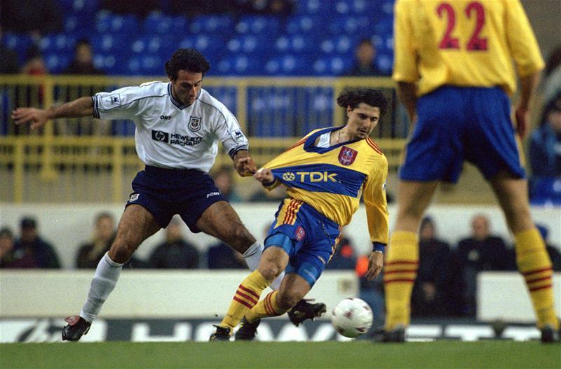 Michele Padovano in campo con la maglia del Crystal Palace nel campionato inglese